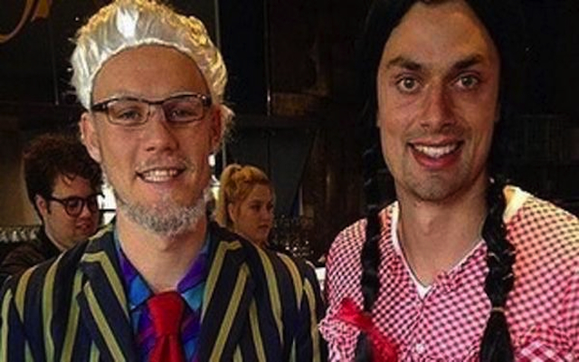Melbourne Demons apologise over players' Rolf Harris Mad Monday photo