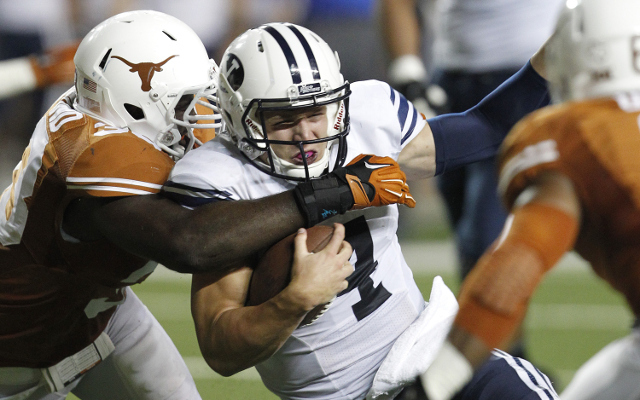 #25 BYU staves off Houston rally and wins, 33-25