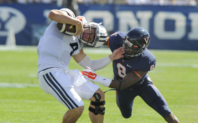 (Video) BYU QB Taysom Hill breaks tackles for touchdown run