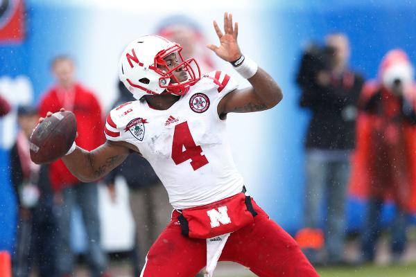 (Video) Nebraska quarterback Tommy Armstrong throws 40-yard TD pass
