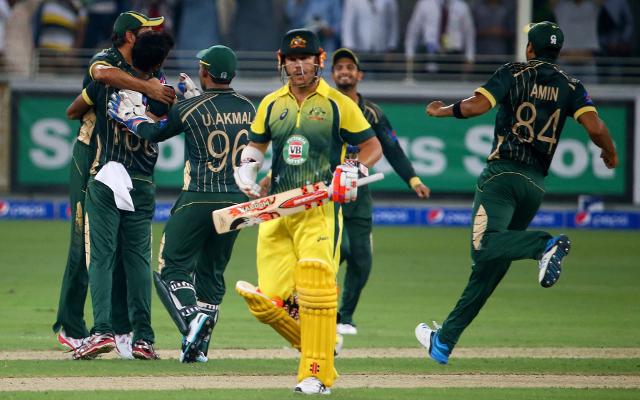 (Vine) Pakistan v Australia: Mohammed Irfan dismisses Aaron Finch first ball – maybe the batsman should be further down the order