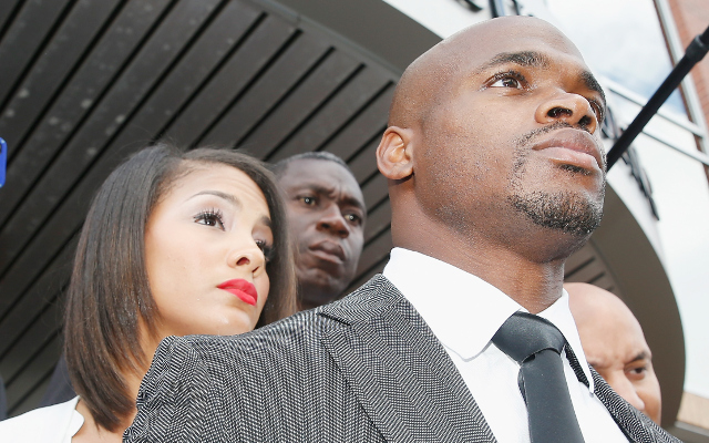 Minnesota Vikings RB Adrian Peterson in trouble again, could be arrested