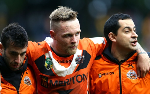 Canberra Raiders sign star Wests Tigers half-back for 2015 NRL season