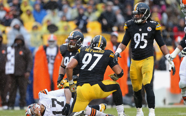Pittsburgh Steelers defensive end fined for abusive language toward ref