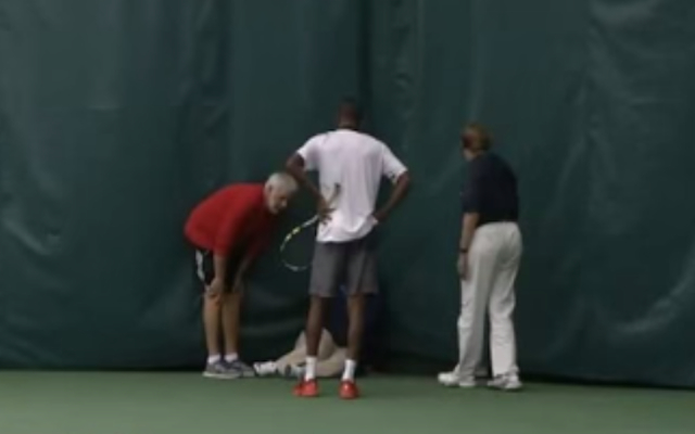 (Video) Barbadian tennis player Darian King disqualified for throwing racquet in direction of lineswoman