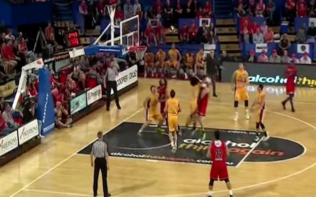 (Video) One week suspension for this? Sydney Kings import Josh Childress smashes Perth Wildcats opponent!