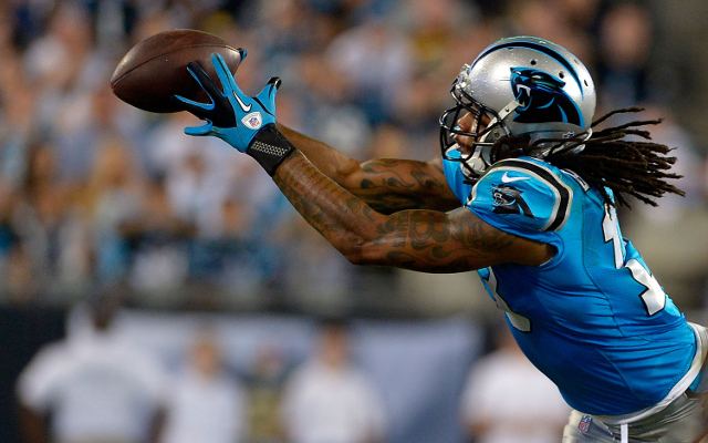 (Video) Ouch! Carolina Panthers WR Kelvin Benjamin holds onto TD catch after big hit