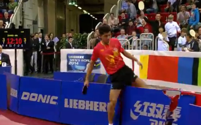 (Video) Chinese table tennis player Zhang Jike stripped of winners prize money after trashing advertising boards