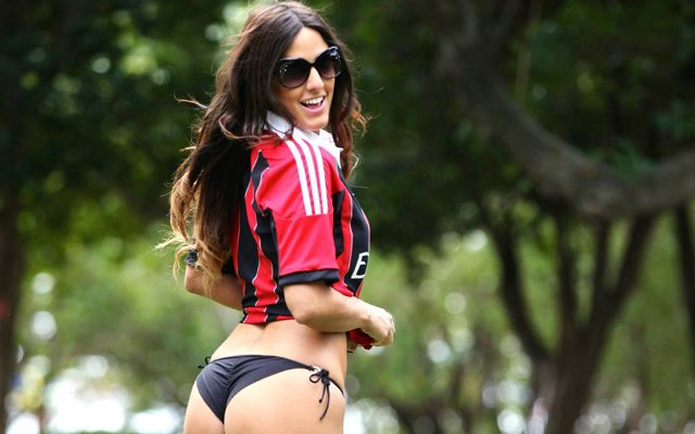 Private: (Image gallery) Wow! 16 Hottest girls in football shirts – Liverpool & Arsenal babes battling it out