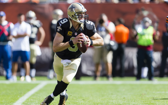 (Video) New Orleans Saints QB Drew Brees pulls a Houdini