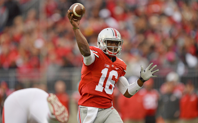 (Video) HEISMAN ALERT: Ohio State QB J.T. Barrett throws easy 30-yard TD pass
