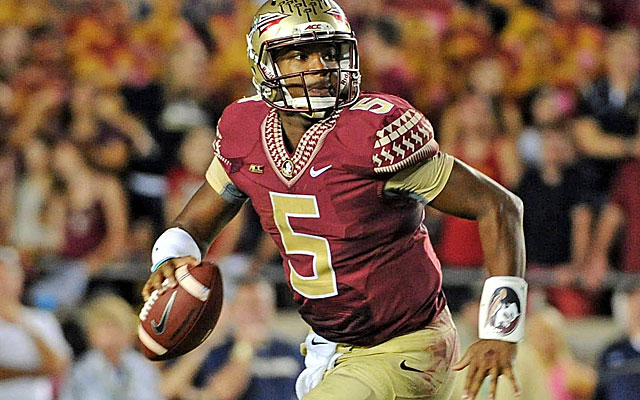(Video) Florida State QB Jameis Winston shoves referee, not flagged or ejected
