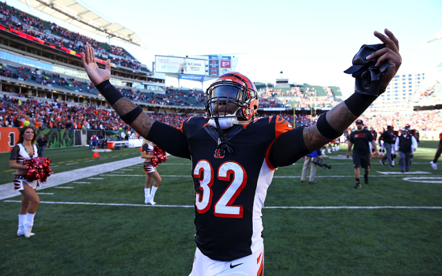 INJURY: Cincinnati Bengals RB Jeremy Hill taken out with knee injury