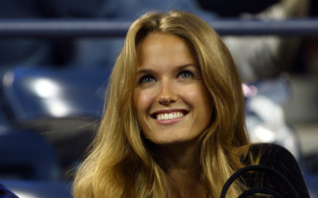 (Video) WTF?! Andy Murray's WAG Kim Sears in filthy tirade at Tomas Berdych during Aussie Open semi!