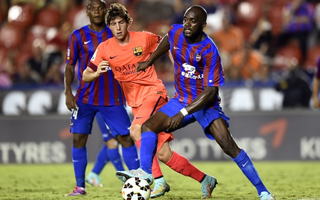 Arsenal & Manchester United must wait to sign youngster dubbed 'new Xavi'