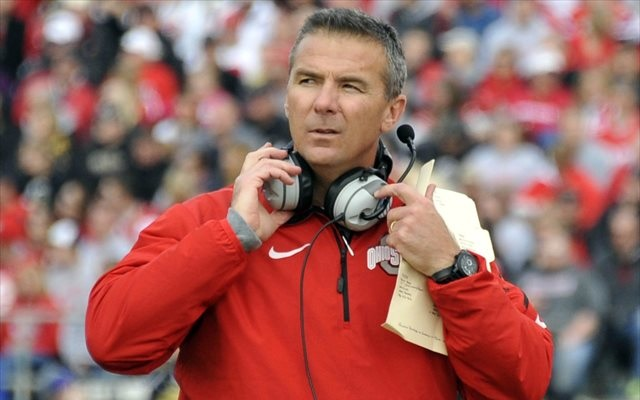 (Video) Ohio State head coach Urban Meyer throws headset in fit of rage