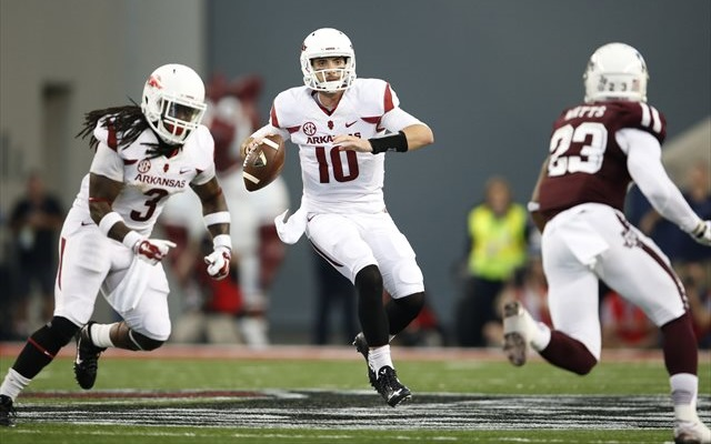 Arkansas wins Texas Bowl, dominates Texas 31-7