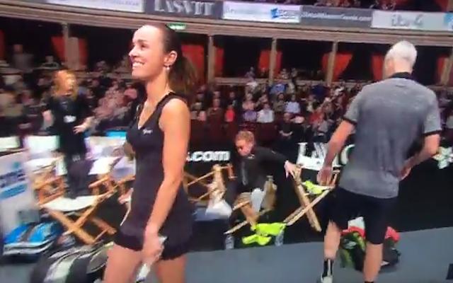 (Video) Elton John takes hilarious tumble at Statoil Masters tennis tournament