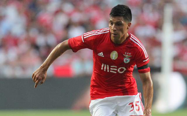 Man United cleared to sign Enzo Perez as Valencia stall on £23m release clause