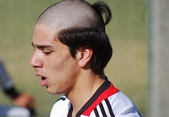 Giovanni Simeone hair