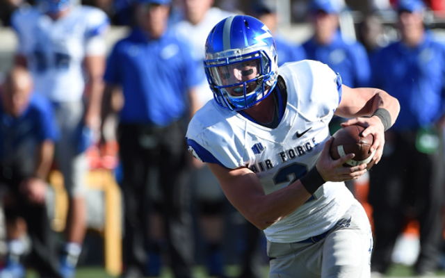 (Video) Air Force RB Shayne Davern runs 55 yards for a touchdown