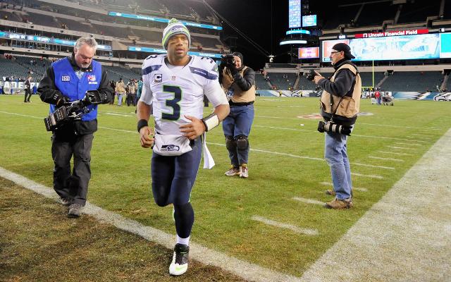 NFL Week 14: Seattle Seahawks defeat Philadelphia Eagles, 24-14
