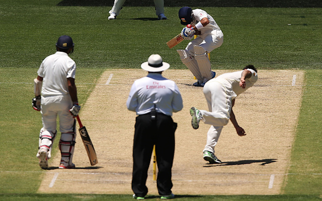 (Video) Australia v India: Mitchell Johnson hits Virat Kohli in the head with bouncer, Aussies show concern