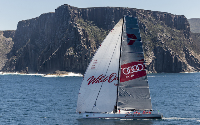 WIld Oats XI wins record eighth Sydney to Hobart ahead of Comanche