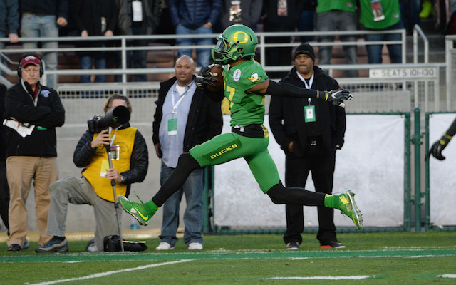 BANNED: Oregon WR Carrington out for Championship game for failed drug test