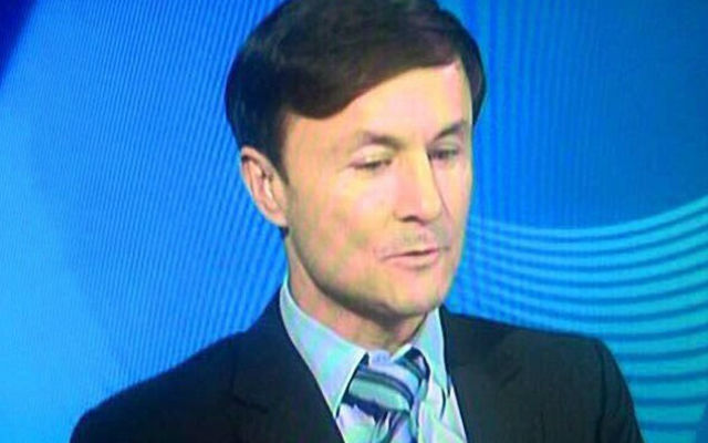 (Images) Twitter reacts to former Chelsea star Dennis Wise's terrible barnet!