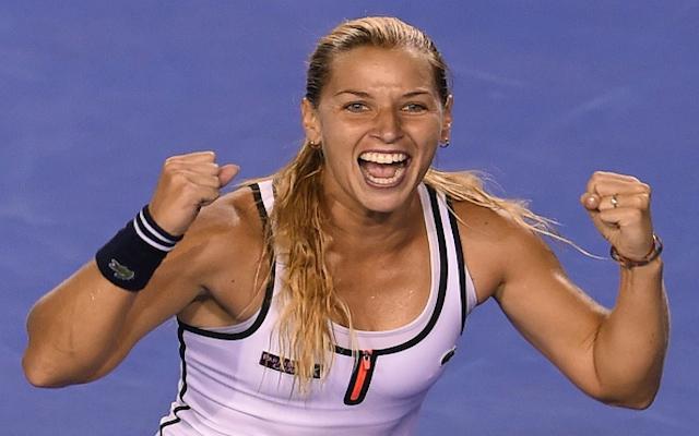 Australian Open 2015: Dominika Cibulkova stuns Victoria Azarenka to reach quarter finals