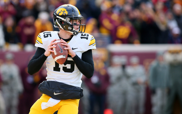 Taxslayer Bowl preview: Tennessee vs. Iowa