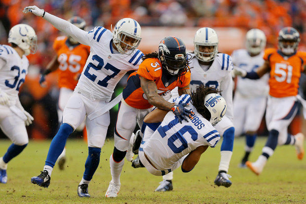 (Video) Fumble! Indianapolis Colts PR Josh Cribbs muffs the punt, gives ball back to New England