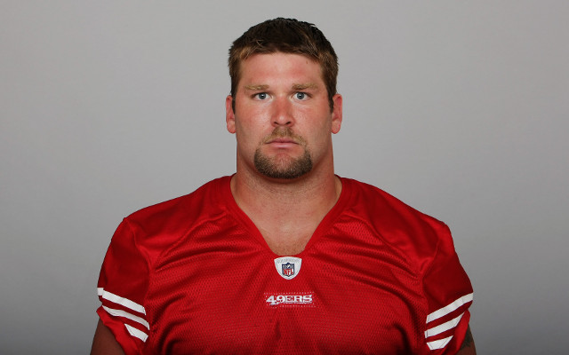 San Francisco 49ers DE Justin Smith joins teammates in announcing retirement