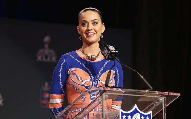 (Video) Looks like Seattle Seahawks RB Marshawn Lynch has a fan in Katy Perry