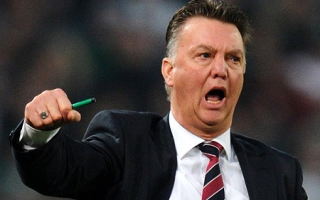 Ten reasons why Manchester United should sack the hopeless Louis van Gaal