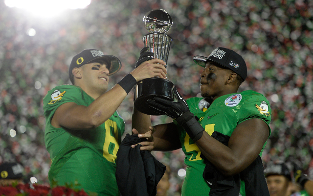 Rose Bowl: #2 Oregon humiliates #3 Florida State, 59-20, to advance to national championship