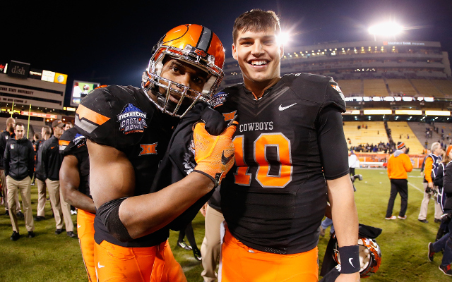 Cactus Bowl: Oklahoma State defeats Washington, 30-22