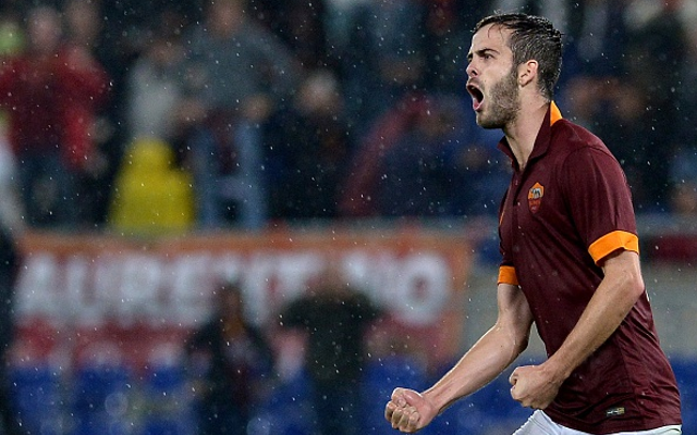 Manchester United fight Liverpool for Roma midfielder