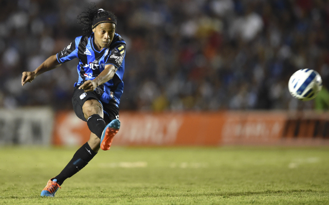 Ronaldinho DONE DEAL: Brazilian COMPLETES free transfer to Fluminense