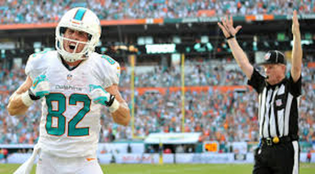 Miami Dolphins part ways with veteran WR Brian Hartline
