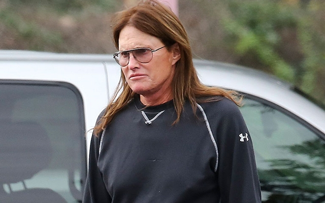"Kardashians patriarch Bruce Jenner ""praying"" for victims of fatal car crash"