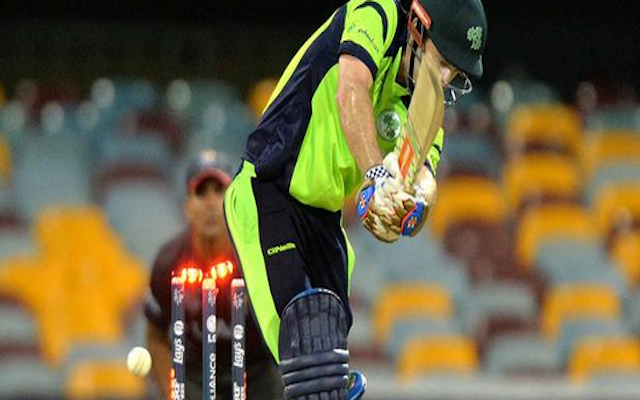 (Video) Cricket World Cup 2015: Ireland batsman Ed Joyce survives as bails land back on stumps in win over UAE