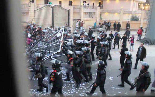 Tragedy as 40 football fans killed in Egypt after police riots