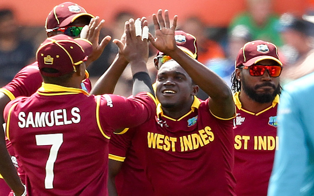 (Video) What a catch! West Indies star Jerome Taylor saves a six with a one-handed grab against South Africa!