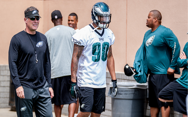 "Shots fired! Ex-Philadelphia Eagles assistant says LB Marcus Smith has a body ""like a high school athlete"""
