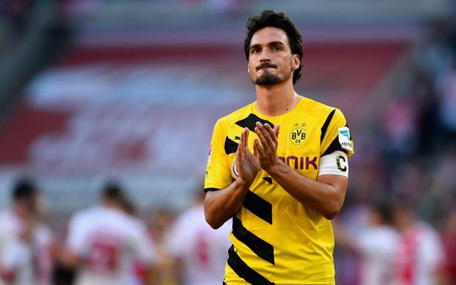 Man United transfer update: Hummels, Bacca, Lewandowski, Dybala, Cavani and Van Persie all involved in latest paper talk