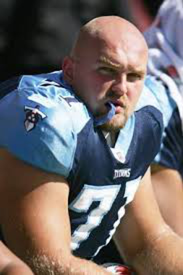 Tennessee Titans Pro Bowl LT Michael Roos retires after 10 seasons