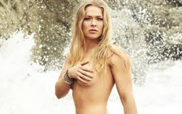 (Images) Caroline Wozniacki and Ronda Rousey to be featured in 2015 Sports Illustrated swimsuit issue