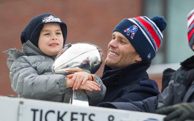 Hall of Fame DE Charles Haley calls Patriots QB Tom Brady's Super Bowl tainted